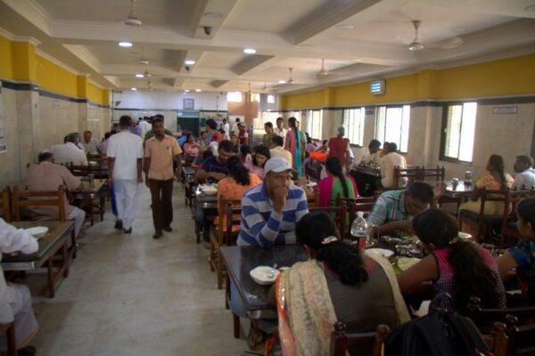 RESTAURANTE SARAVANA BHAVAN HOTEL RESTAURANT EN KANCHIPURAM