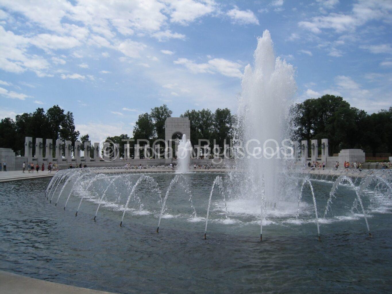 MEMORIAL EN HONOR A LOS CAÍDOS EN LA SEGUNDA GUERRA MUNDIAL EN WASHINGTON DC